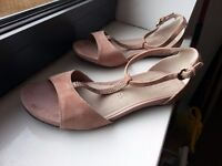 Footglove sandals in rose colour (size 3.5)