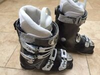Ladies Atomic Hawx 80 Ski Boots size 24/24.5 (Approx 38)