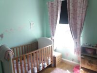 2 BEDROOM HOUSE TO RENT IN QUIET CULDISAC TOWN CENTRE LOCATION