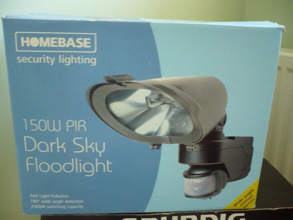 Homebase new 150 watt dark sky pir security light in swindon homebase new 150 watt dark sky pir security light aloadofball Images