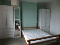 Spacious Double room in a house with 2 other females
