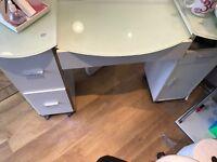 2 x nail desk
