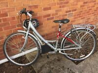 Ladies' Raleigh Metro LX bicycle - excellent condition