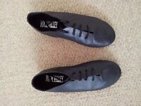 Girls Black suede sole jazz/dance shoes - roughly a size 2