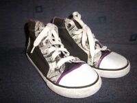 Clarks Doodles Hi Top Style Trainers Size 12.5G IP1