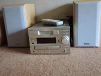 Hitachi Mini Hi-Fi