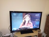 """Sony BRAVIA KDL-46EX703 46"""" LED-LCD Ethernet TV, Freeview HD - Excellent condition"""