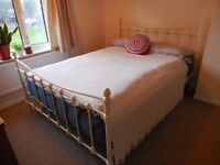King size Florida metal bed frame in excellent condition
