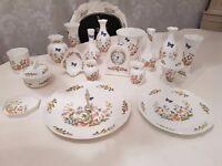 18 Piece Aynsley 'Cottage Garden' fine china job lot.