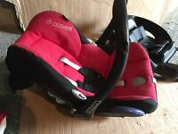 New born maxi cosy car seat with isofix base