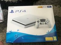 Ps4 slim white - boxed - immaculate condition
