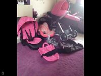 PINK OYSTER 3 in 1 TRAVEL SYSTEM WITH MATCHING PINK MAXI COSI CABRIOFIX CAR SEAT
