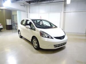 2013 Honda Fit LX 5AT *Auto*/AC/BAS KMS!!! West Island Greater Montréal image 1