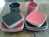 Ben de Lisi tableware set of 24 black and red