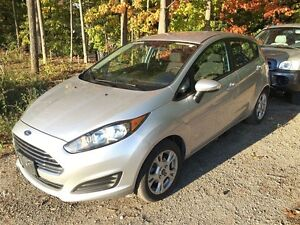 2014 Ford Fiesta (5) SE The Ultimate In Fuel Sipping Technology
