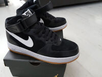 Nike Air Force One Trainers 7.5