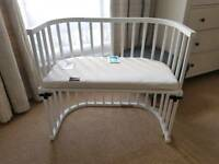 BABYBAY Sidecot with side rail, mattress and a brand new sheet