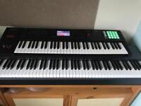 Roland FA-06 61 Key Workstation Synthesizer with Full Flightcase *REDUCED*