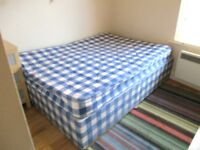 GREAT VALUE LOVELY 1 BEDROOM FLAT NEAR TRAIN, ZONE 2 NIGHT TUBE, 24 HOUR BUSES, SHOPS & SUPERMARKETS