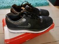 Nike safari new size 8