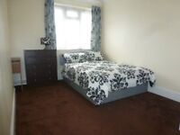 **Available Now** Elizabeth Close E1 Poplar /** Great Double Room **/ All Bills Inc / ZONE 2 /