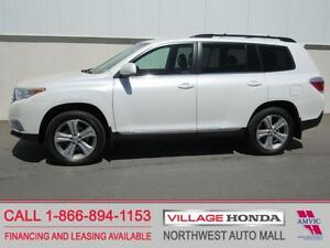 2013 Toyota Highlander 4WD V6 | Sunroof | Leather