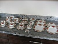 TEA SET ~ OLD COUNTRY ROSES