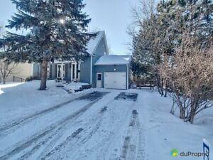 395 000$ - Maison 2 étages à vendre à Mont-St-Hilaire