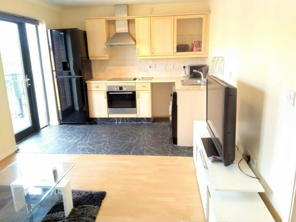 2 Bedroom 2 bath apartment nearer North Wembley tube ...