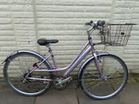 ladies raleigh pioneer hybrid aluminium bike, lights, d-lock ammacalate condition FREE DELIVERY