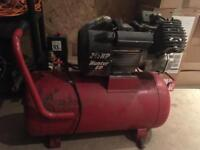 Clarke Hunter 60 2.5hp 12.5cfm Air Compressor