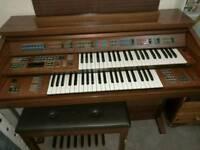 Yammaha organ