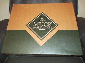 THE ORIGINAL MUCK BOOTS WELLIES KIDS / LADIES BRAND NEW IN BOX VARIOUS SIZES AVAILABLE