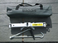 Elddis caravan scissor jack complete with handle and carry case