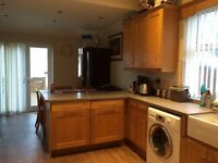 ONE ROOM AVAILABLE IN THIS BILL INCLUSIVE HOUSE SHARE IN THE HEART OF RUMNEY!