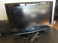 """Samsung 26"""" Lcd TV built in free view hdmi working order"""