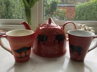 Tea set (never used): African design teapot and two mugs