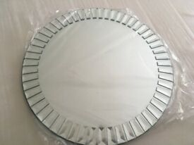 Round mirror decorative edges