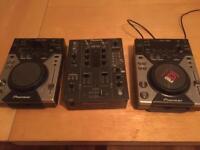 2x CDJ 400s & DJM 400 Mixer