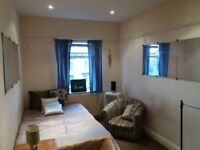 1b Crossgreen Lane Rm 3-ONLY £69.95 P/W-SUPERB STUDIO-AVAILABLE NOW-LOW COST!