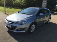 Automatic-2012 Vauxhall Astra J. Estate 1.6 petrol -Low milages(72K)