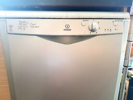 Dishwasher Indesit aaa class idf125- Silver. Excellent condition!