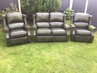 Thomas Lloyd vintage style wing back Chesterfield sofa suite. Can deliver