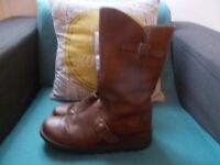 FLY BY LONDON BROWN LEATHER BOOTS SIZE 7