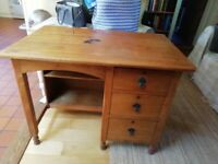 Vintage knee hole desk with 3 drawers