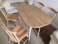 Lovely wooden kitchen table and chairs. Good clean condition.