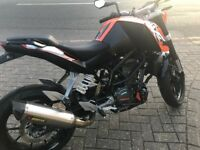 KTM DUKE 125cc ABS 2016 - LOW MILES -- EXCELLENT CONDITIONS -