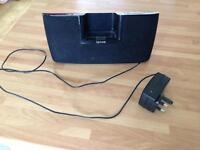 Gear4 iPod / iPhone dock speaker