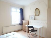 NICE SINGLE ROOM WITH DOUBLE BED TO RENT IN NORTHFIELDS (PICCADILLY LINE) & WEST EALING STATION