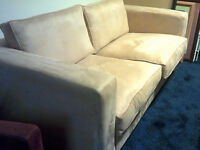3 or 4 seater settee: Fall asleep in comfort in front of the box